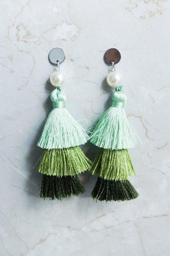 Carly Tassel Pearl Earring (Green)
