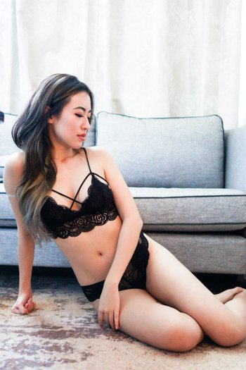 Cross Over Lacey Bralette (Black)