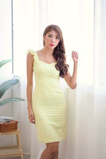 Ruffle Sleeve Eyelet Dress (Daffodil)