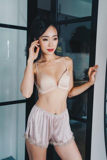 Front Clasps Basic Bra (Nude)