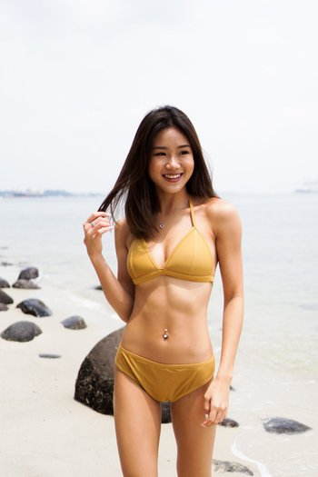 Outline Triangle Bikini (Gold)