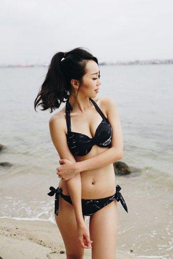 Ribbon Halter Bikini (Black Marble)
