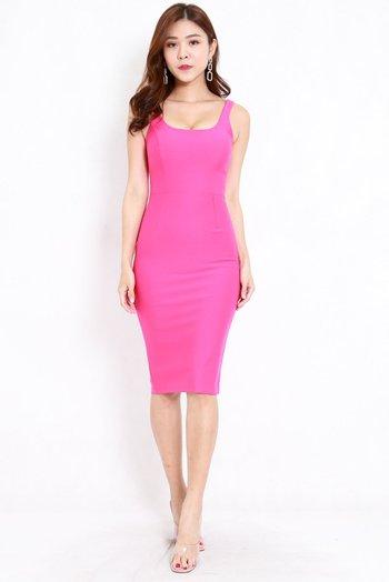 *Premium* Scoop Neck Midi Dress (Barbie Pink)