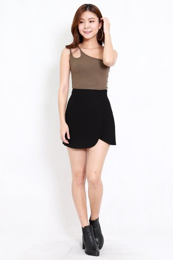 Curve Hem Overlap Skirt (Black)