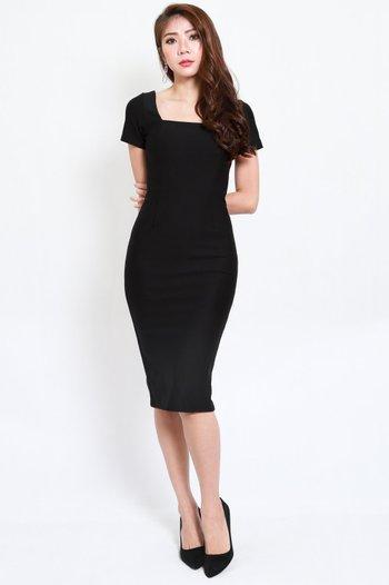 *Premium* Square Neck Sleeved Midi Dress (Black)