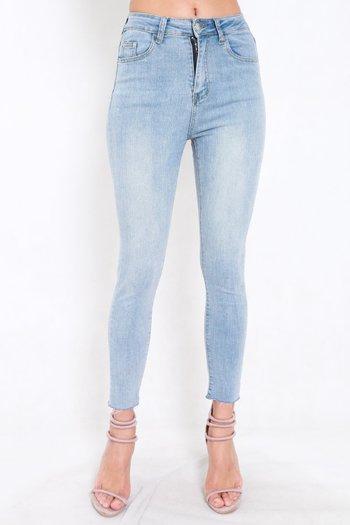Ibiza Fray Hem Jeans (Light Wash)