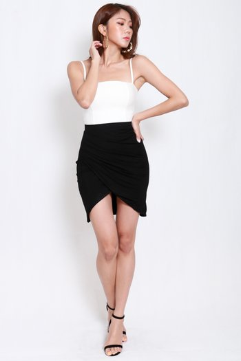 Una Overlap Ruch Skirt (black)
